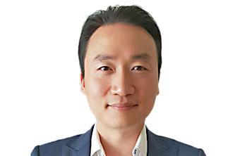Dr Michael Wei
